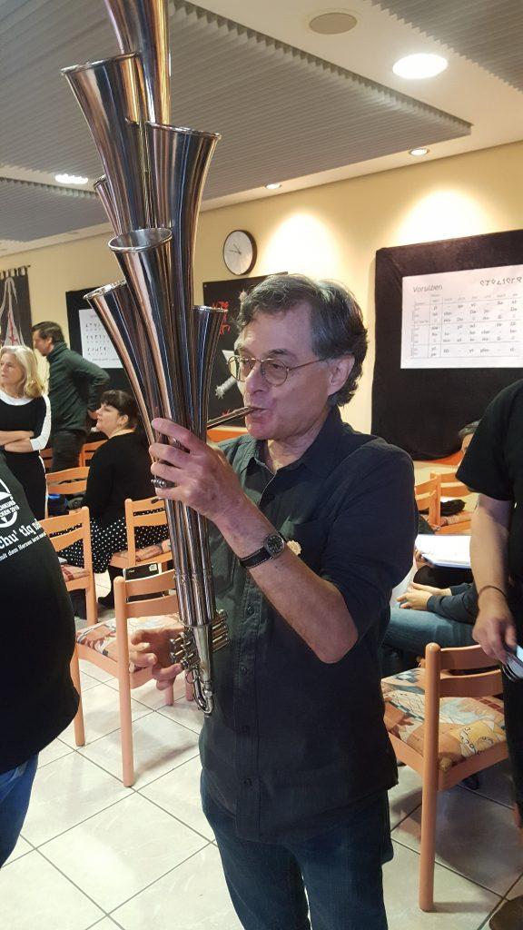 Marc Okrand beim Schalmeispielen - 18.11.2018